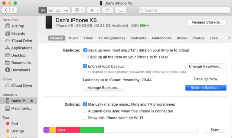 macOS Finder iPhone Restore Backup options