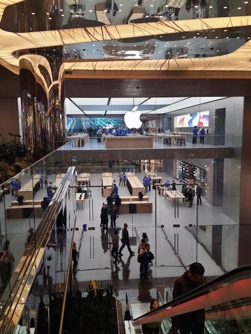 apple-store-istanbul-zorlu-center-scroll-8