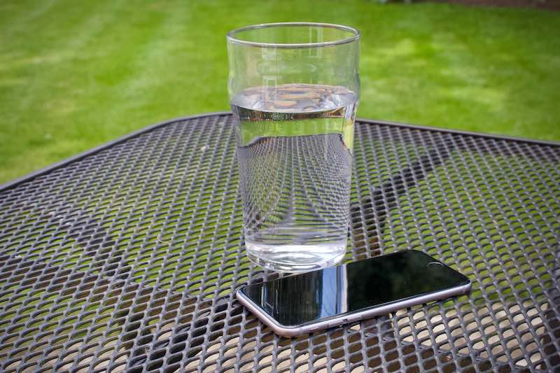 Find out what to do if you dropped your iPhone 6 in water.