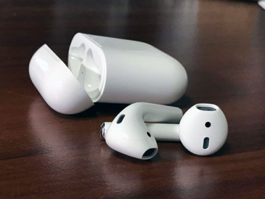 Apple AirPods: Perfecting the AirPod Double Tap