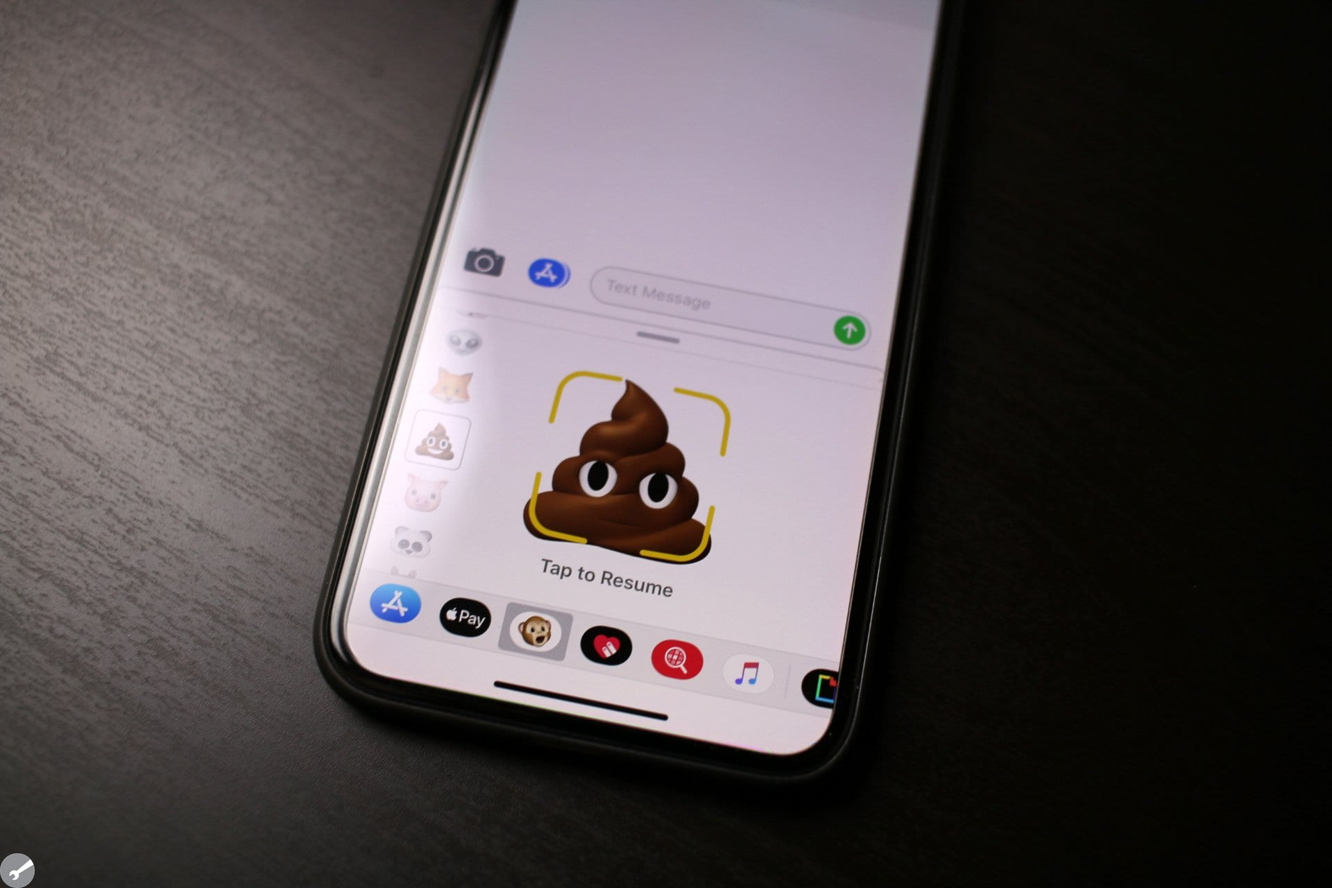 How does Samsung's AR Emoji stack up to Animoji? - AppleToolBox
