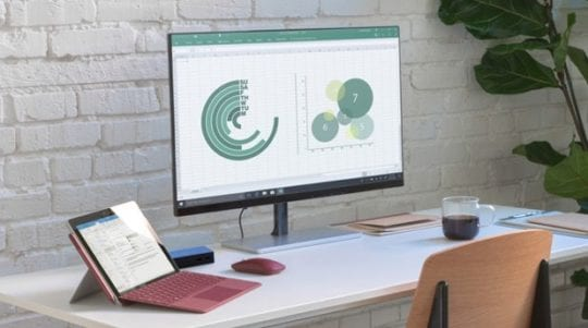 Apple iPad vs Microsoft Surface Go