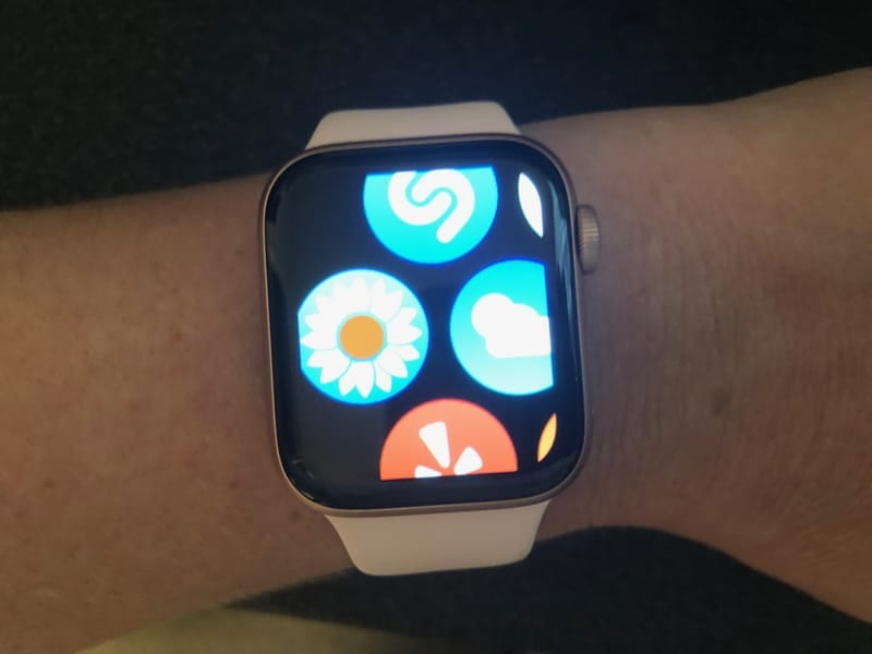 Increase Apple Watch apps and screen size