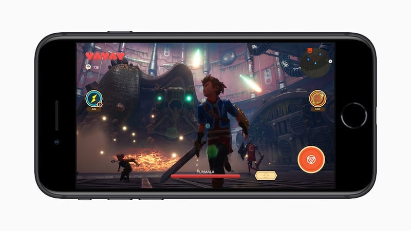 2020 iPhone SE Apple Arcade