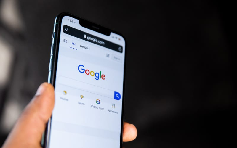Google search engine on iPhone