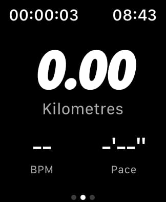 Nike Run Club run screen.