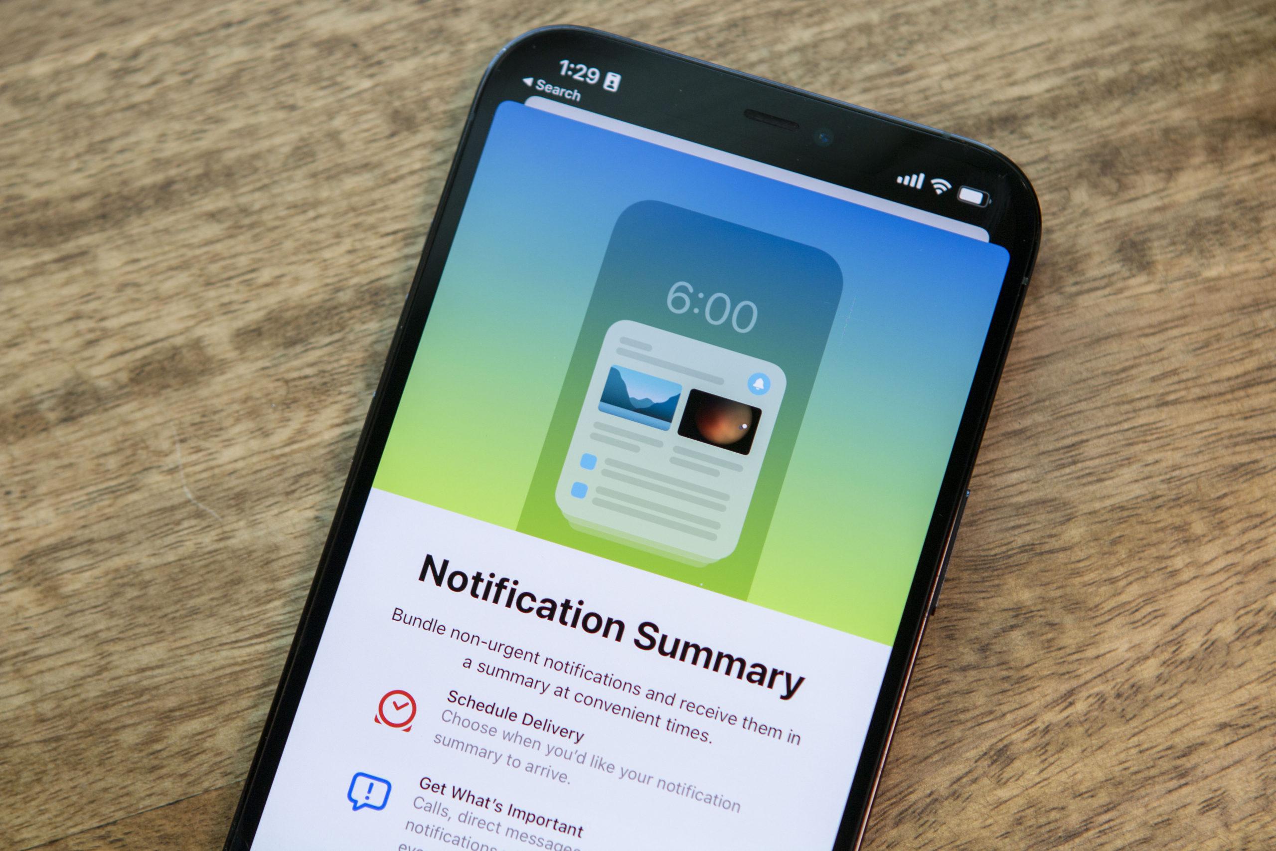 How To Set Up Notification Summary on iOS 15 Hero