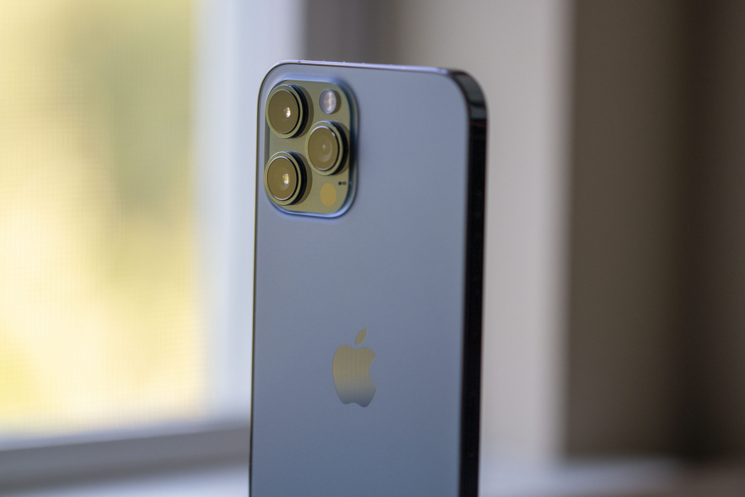 iPhone 12 Pro Max Review One-year Later 1